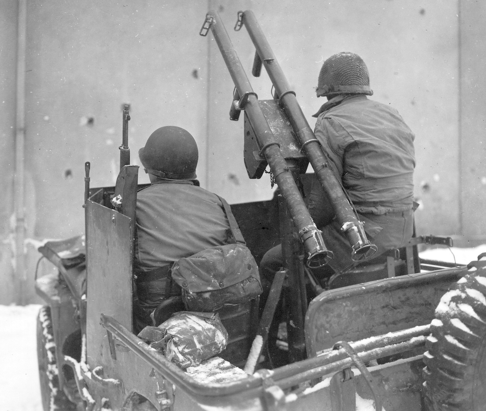 Field modification to a jeep, manned by T/5 Louis Gergye and Pvt William Jump of I&R Platoon, 60th Infantry Regiment, 9th Infantry Division.Field modification to a jeep, manned by T/5 Louis Gergye and Pvt William Jump of I&R Platoon, 60th Infantry Regiment, 9th Infantry Division
