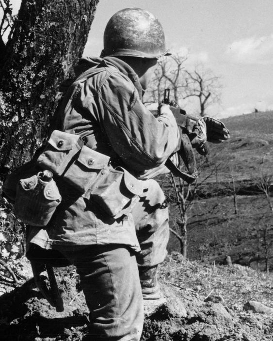 A 10th Mountain Division BAR man on the sharp end, Italy, March 1945