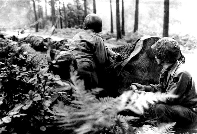 Bazooka-Team-39-IR-(9-ID) September 1944 - Huertgen Forest