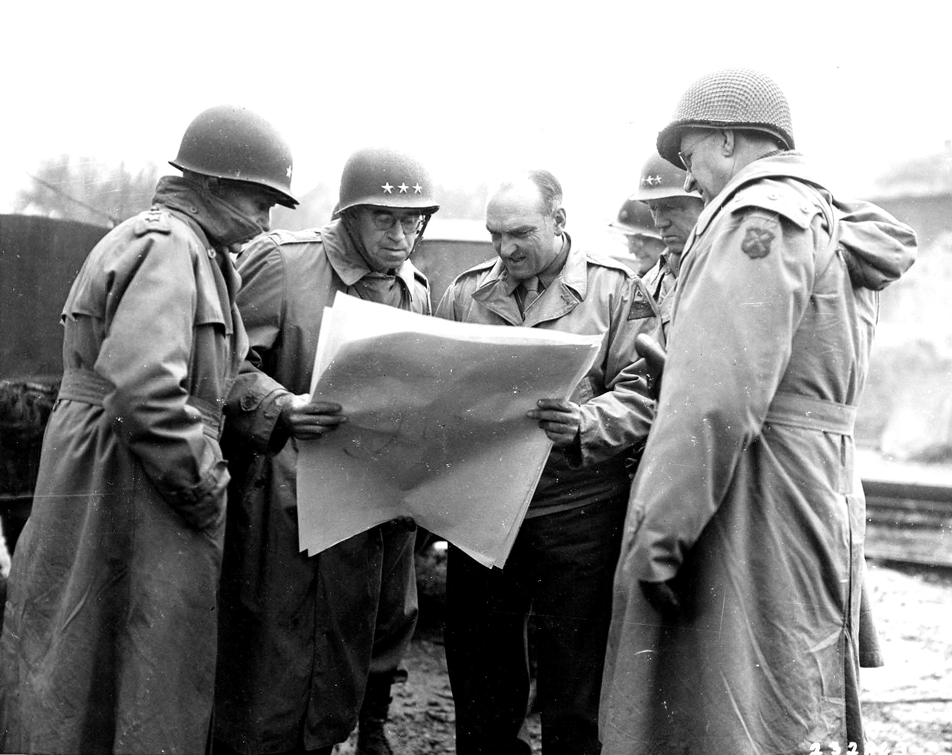 Gen Bradley, 12-AG, Gen Patton, 3-A and Gen Eddy, 9-ID in Beauvain, France Aug 1944