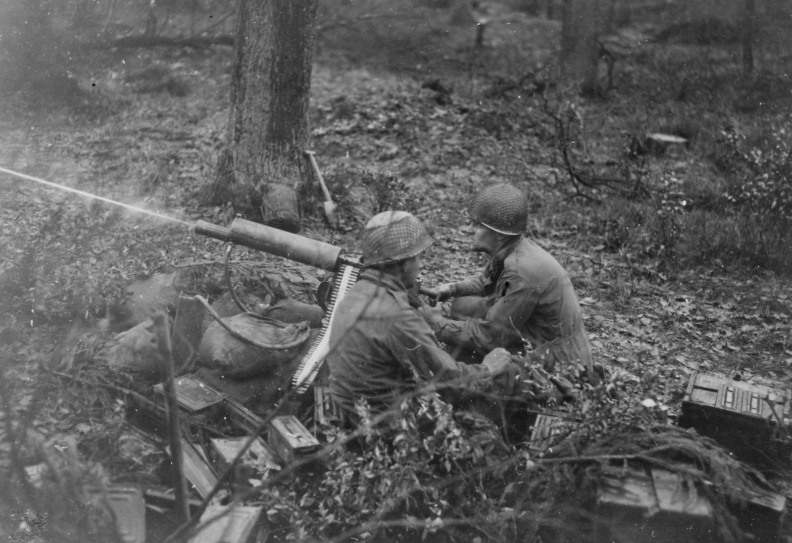 MG Crew from the 39th IR (9-ID) (2nd Plat, Dog Co) in the Huertgen Forest