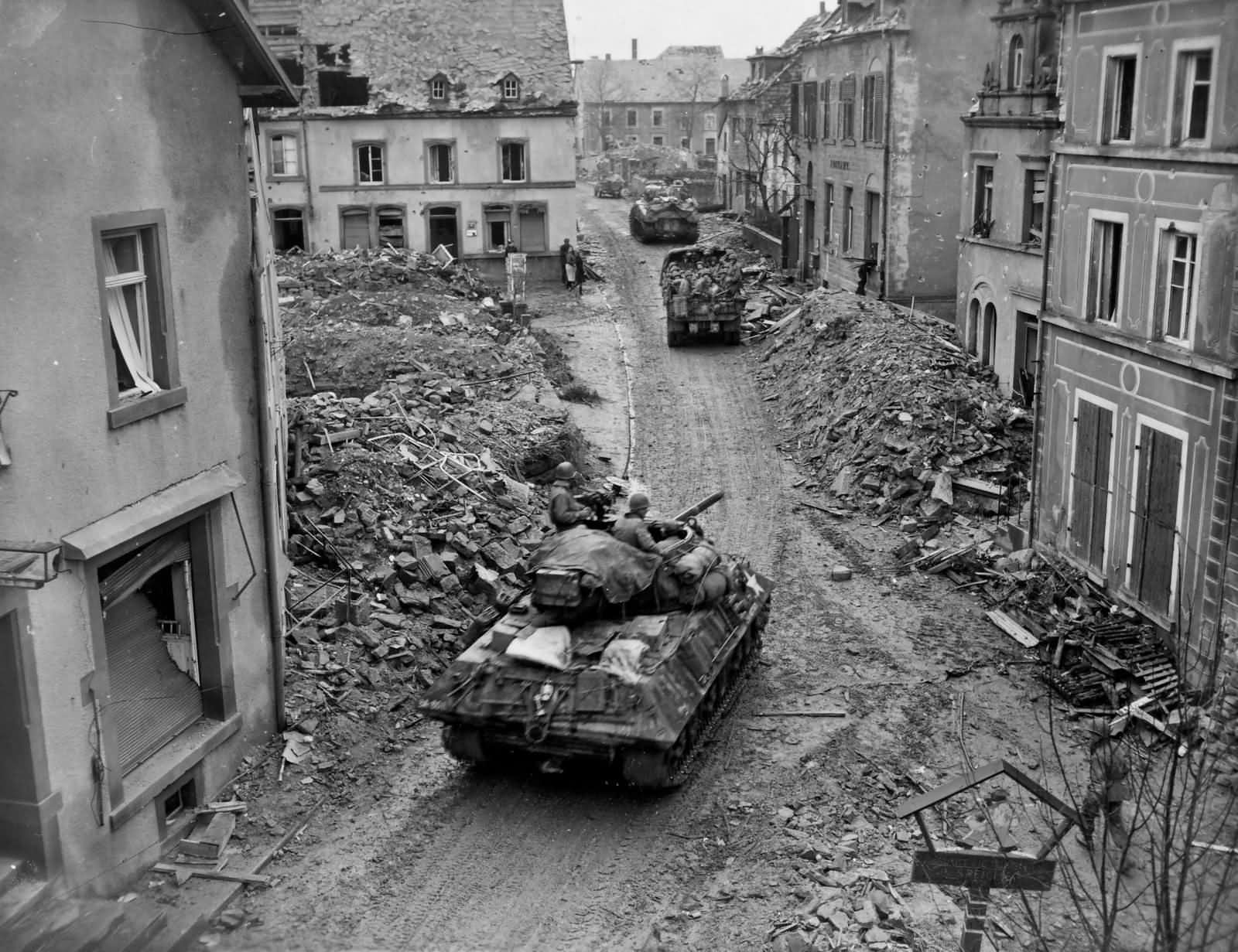 M10, M4, Jeep And 2 1/2 Ton Truck 76th Infantry Division Speicher 1945